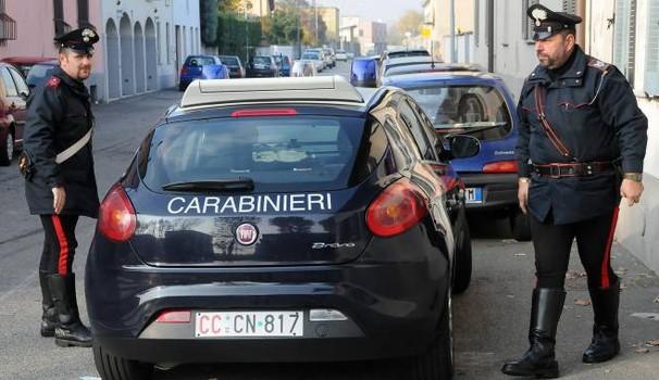 Tromba d'aria a Porto Cesareo danni ad edifici, sollevato in aria camion carico di frutta, barche rovesciate