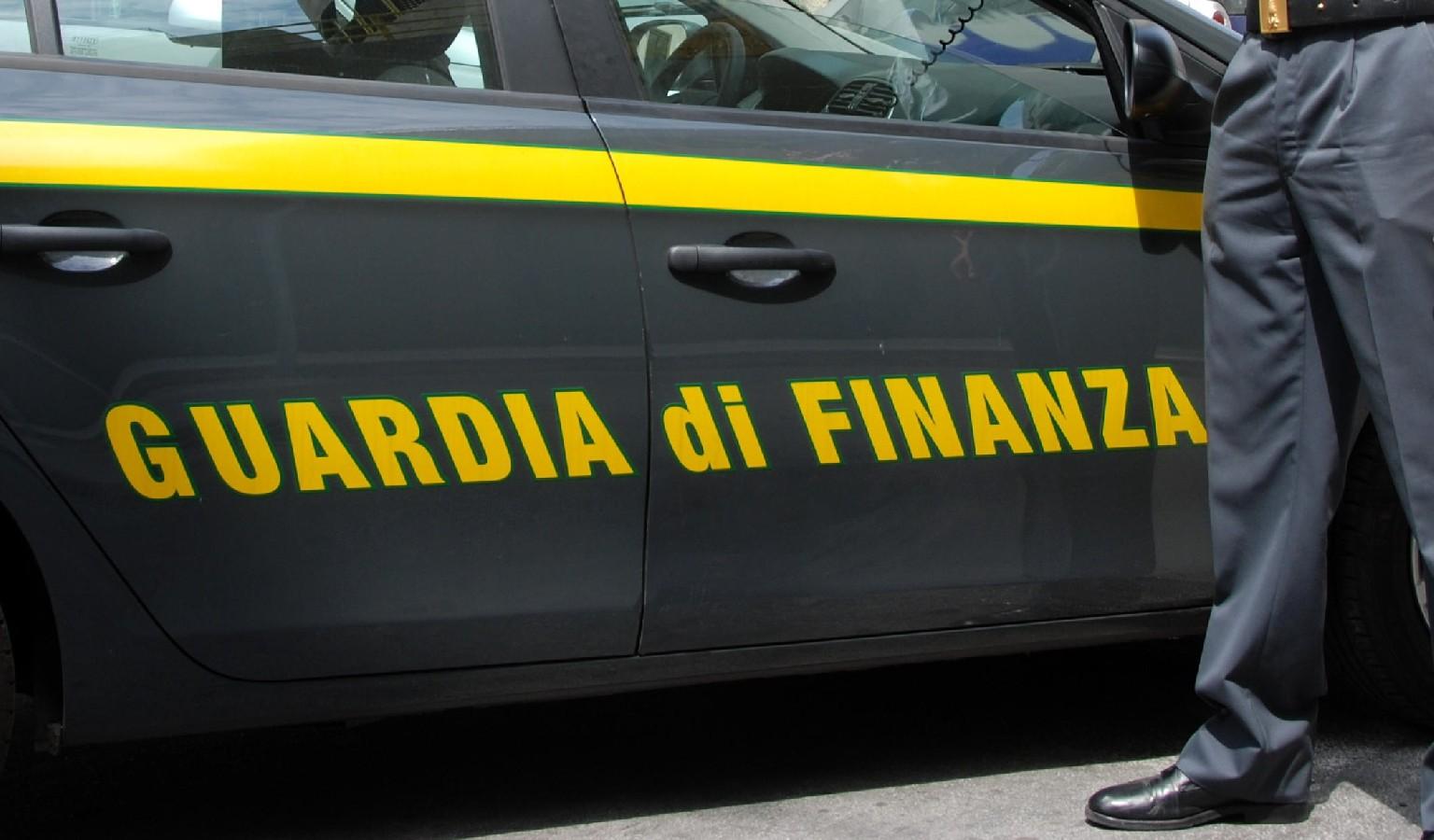 Crolla un ponteggio in via Mangone: operaio edile muore a Milano