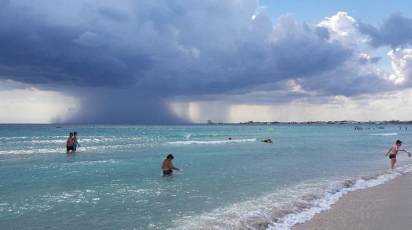 Violenta tromba d'aria in Sardegna: il video è spettacolare