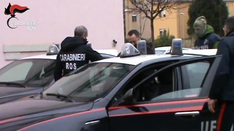 'Ndrangheta, armi e traffico internazionale di droga, 12 arresti