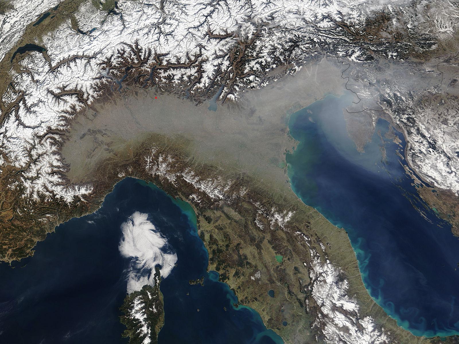 Cartina Satellitare Lombardia.Immagini Satellitari La Pianura Padana E Tra Le Zone Piu Inquinate D Europa L Osservatore D Italia