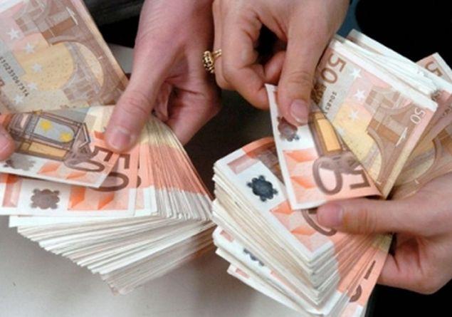 Gli italiani spendono ogni anno 19 miliardi di euro in attività illegali