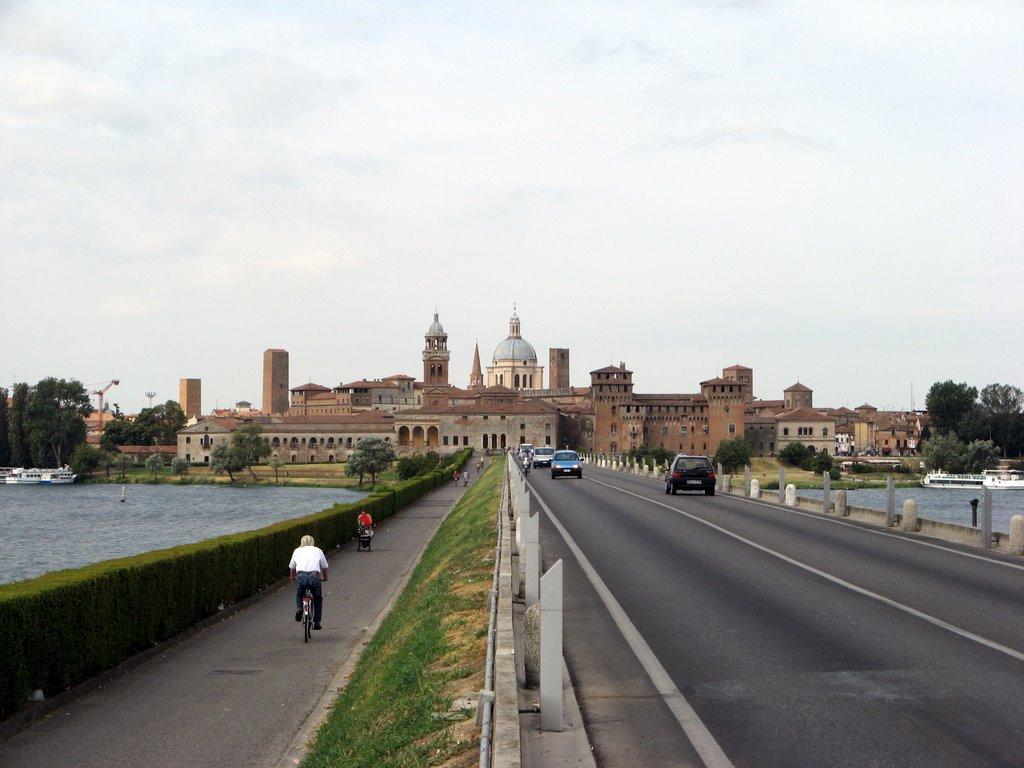 Mantova, 57enne accoltellato a morte | Fatale per l'uomo un fendente al cuore