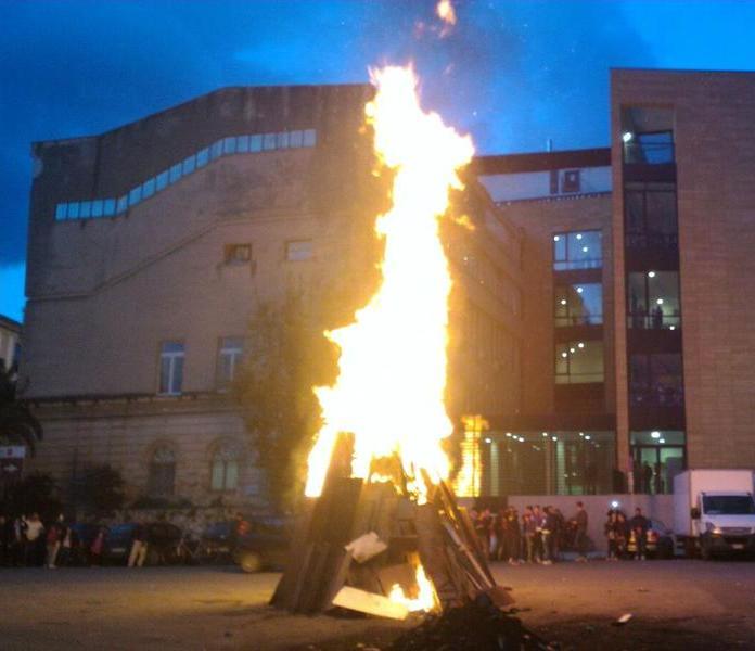Tenta di bruciare vivi sei romeni, in manette boss della 'ndrangheta