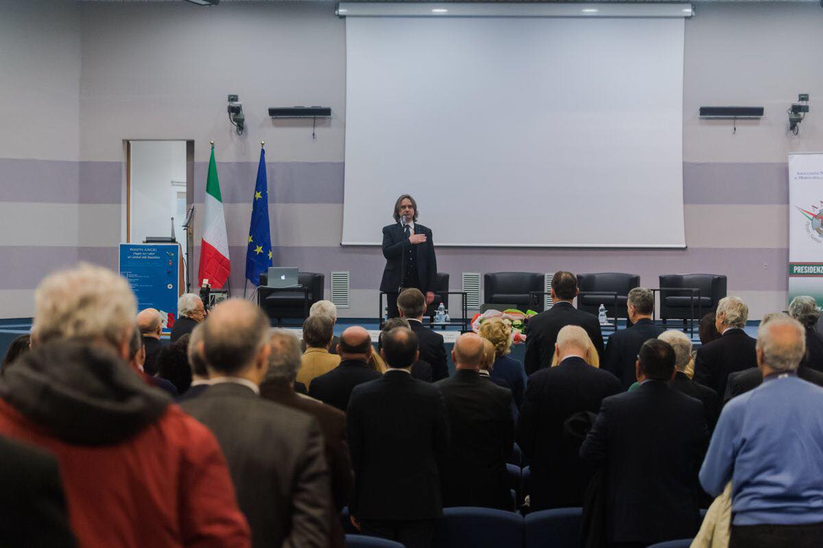Tenta di bruciare vivi sei romeni, arrestato boss a Reggio Calabria