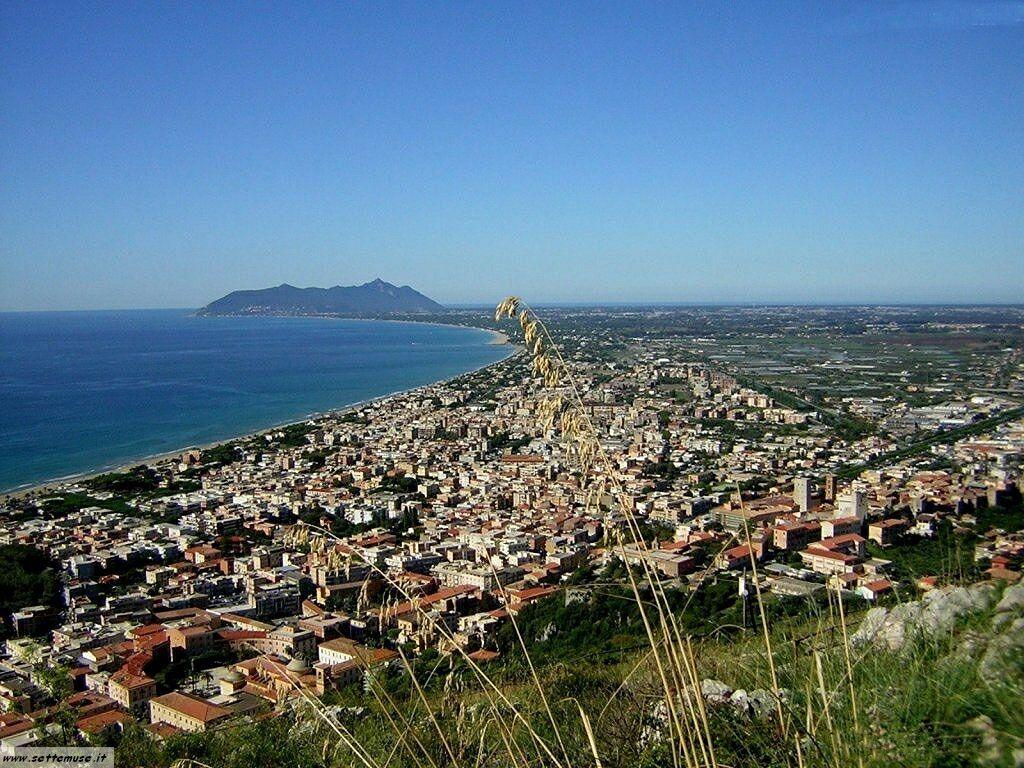 Palermo, rapina un'anziana nell'androne del palazzo: arrestato cinquantenne